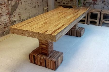 Table inline re-used roof laths